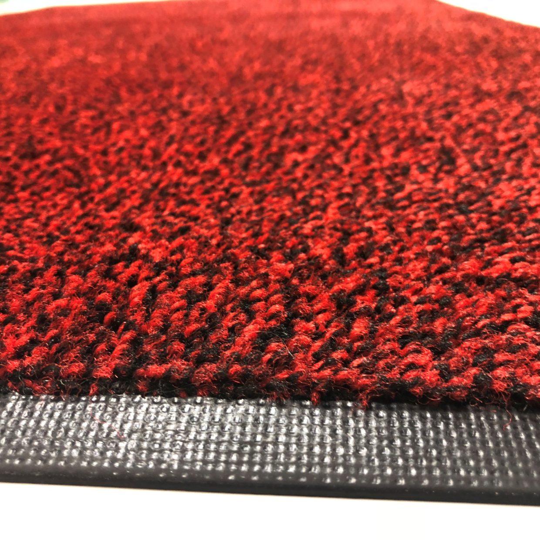 Enfärgad röd entrématta med svart kant